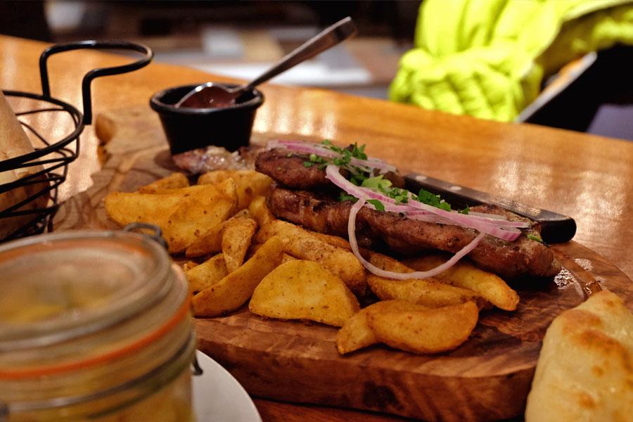 Запеченая картошка со свининой