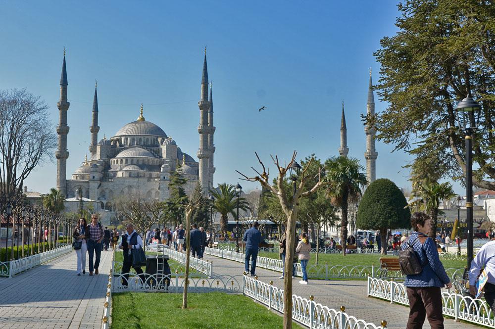 Голубая мечеть днем