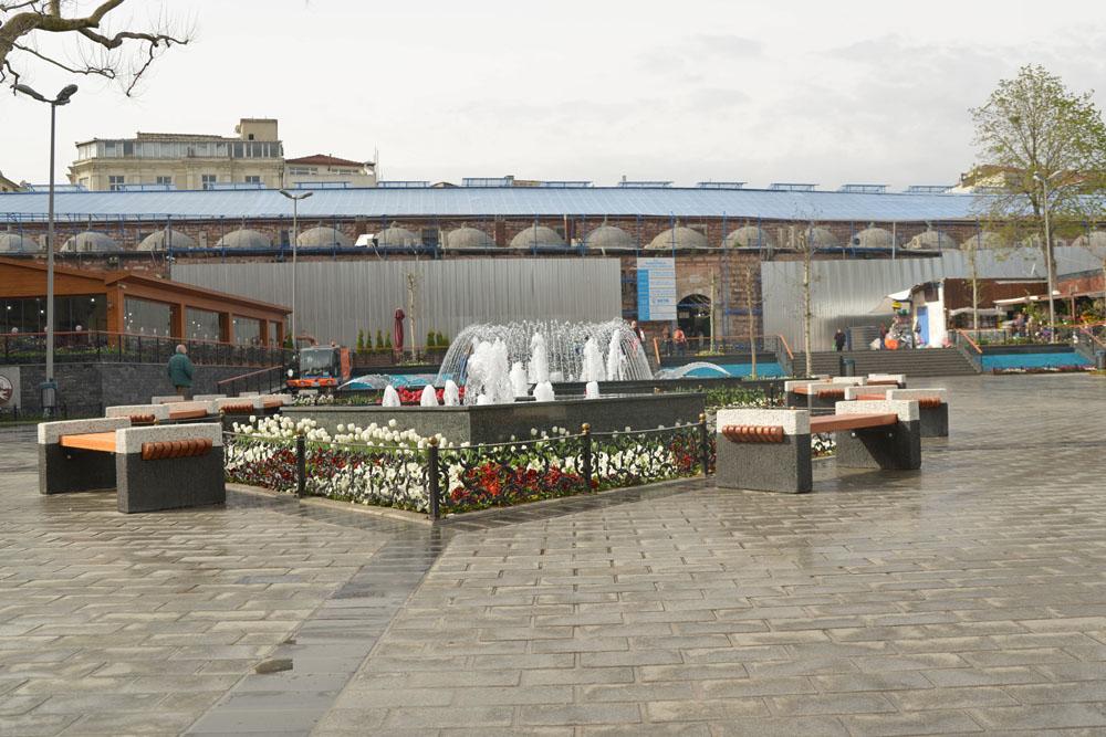 Площадь между Новой мечетью и Египетским базаром