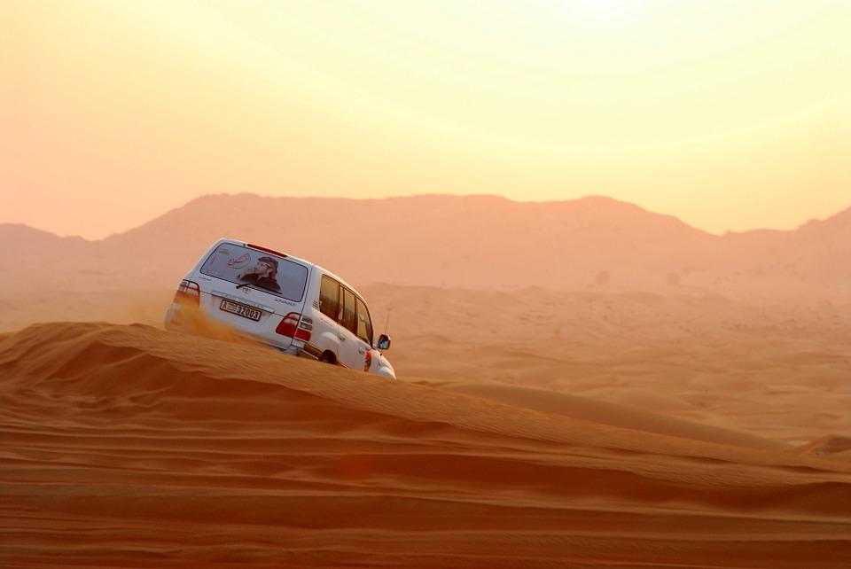 Land Cruiser в пустыне