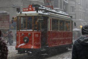 Красный трамвайчик