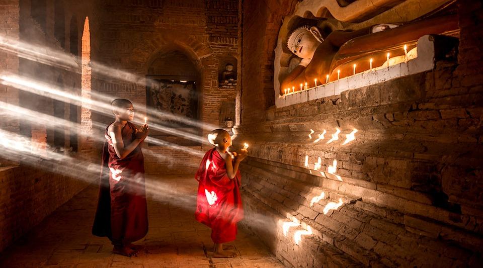 Внутри храма Чалонг
