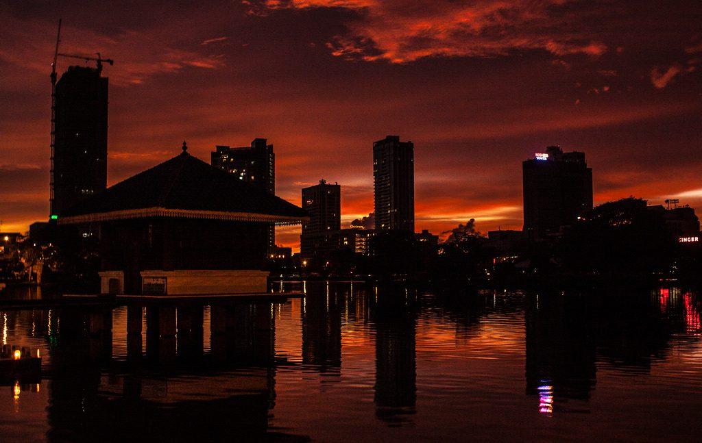 Коломбо на закате