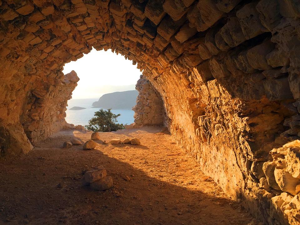 Древний тоннель