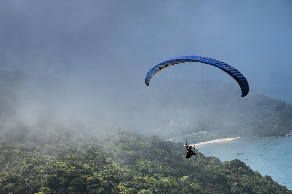 На парашюте над Вьетнамом