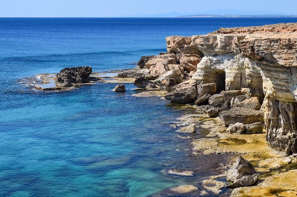 Морские пещеры на Кипре
