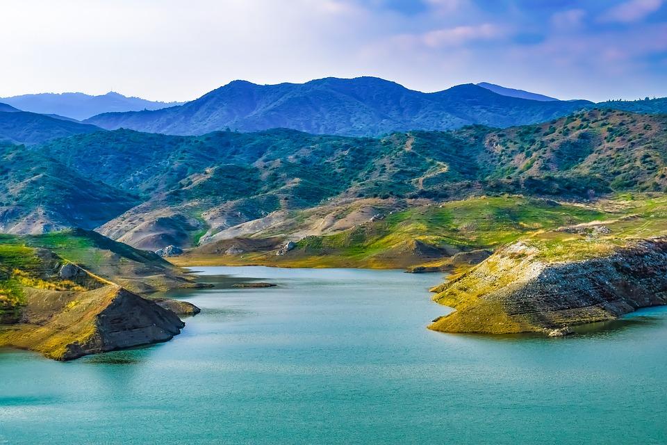 Горный пейзаж на Кипре