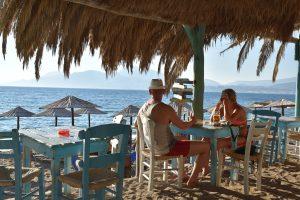 Пляжный бар на Крите