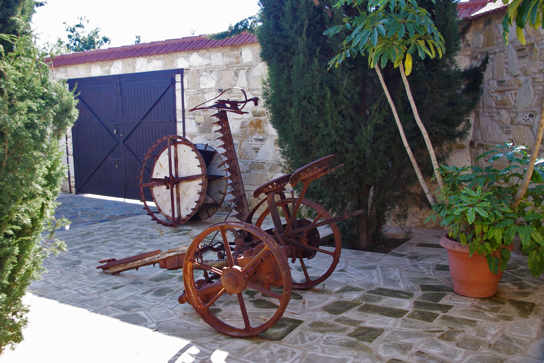 Выставка старинных орудий труда