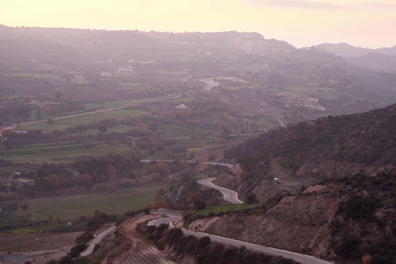Вид на монастырь Микос