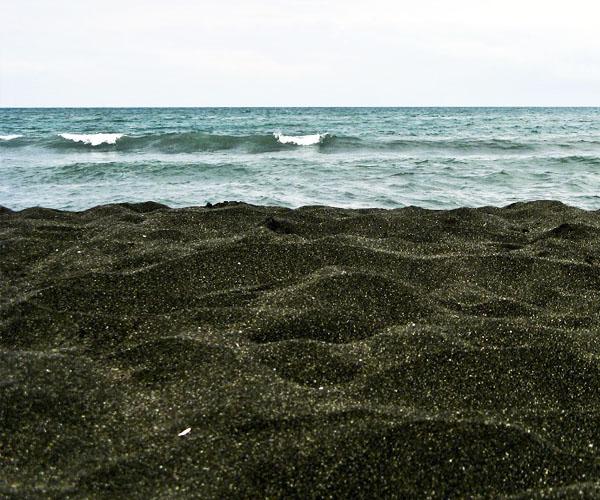 Магнитный песок в Уреки и Магнетити