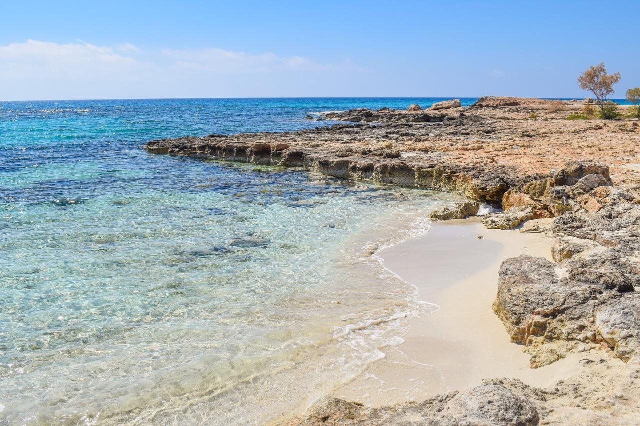 Скалы на Кипре